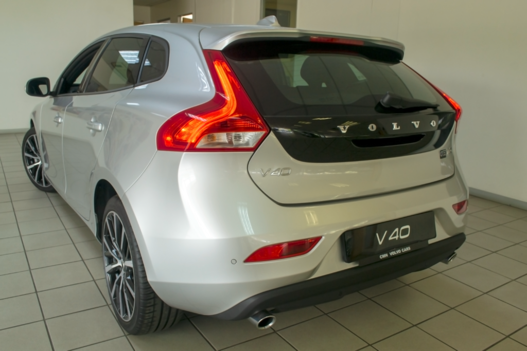 Volvo V40 Rear View - V40 end production